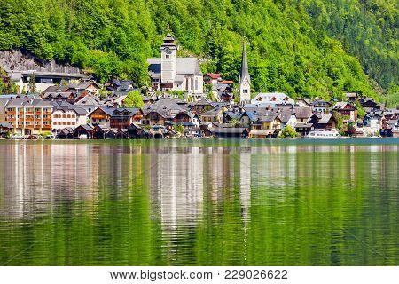 Hallstatt Old Town And Hallstatter See Lake In Upper Austria. Hallstatt Is A Village In The Salzkamm