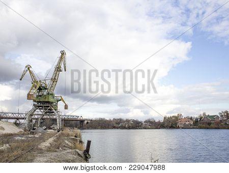 Gantry Crane With A Gripper, Lifting Crane.