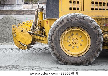 Men At Work, Asphalt Laying. Road-building. Road Construction Machinery. Road Grader
