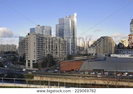 Boulogne-billancourt, France - December 28, 2017: View Of A District Of Boulogne Billancourt Since I