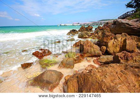 Sangwan Beach, Tawan Port Koh Larn Island, Pattaya City Chonburi Thailand.