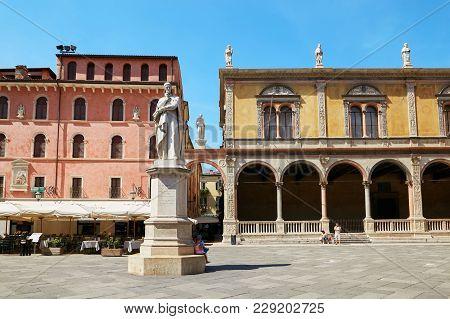 Verona, Italy - August 17, 2017: Verona Piazza Dei Signori With Dante Statue.