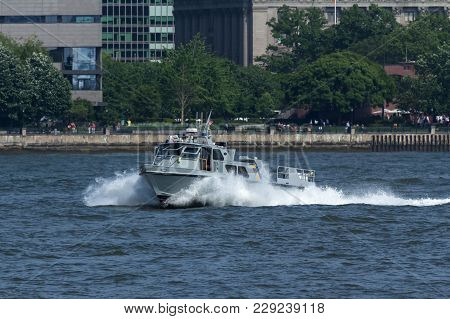New York, Ny - May 25, 2016: A New Jesey State Police Boat Patrols The Hudson River During The Parad
