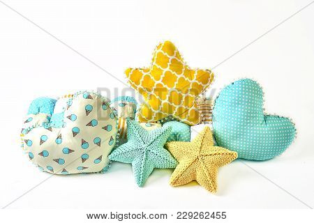 Yellow And Blue Knitted And Stitched Five-pointed Star Shaped Pillow, Patchwork Comforter And Heart