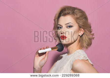 Makeup And Cosmetics, Skincare, Visage. Retro Makeup And Skincare, Woman With Make Up Brush, Copy Sp
