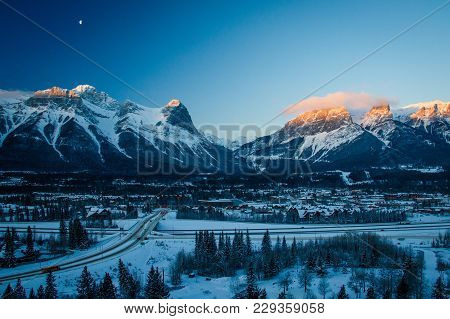 Morning On Hoodoos Lookout, Kananaskis Country In Canada, Winter In The Bow Valley, In The Mountains