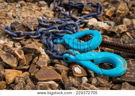 Blue Color Chain With Two Large Hooks