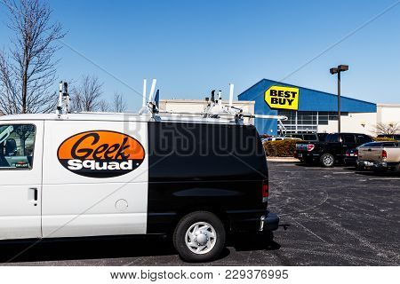 Indianapolis - Circa March 2018: Best Buy Retail Location. Best Buy Sells A Large Array Of Brand-nam