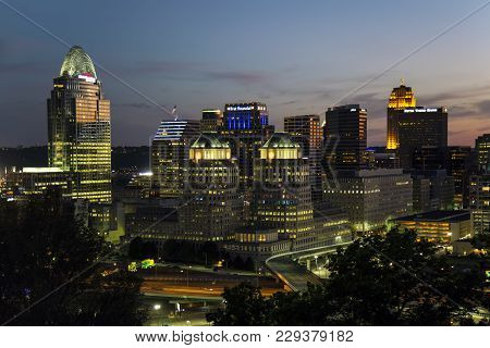 Cincinnati, Ohio - July 30, 2015: View Of The Cincinnati Skyline At Dusk. Cincinnati Is The 3rd Larg
