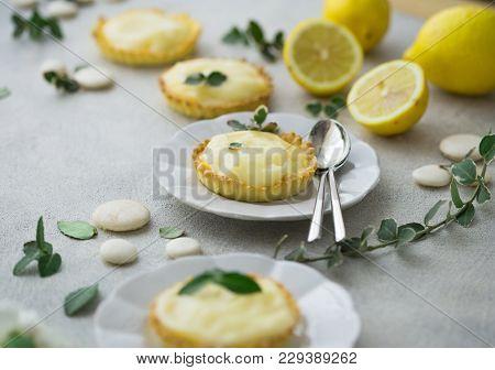 Delicious Tartelette With Lemon Curd.  Mini Tart. And Lemon Curd. Preparing Breakfast. Space For Wri