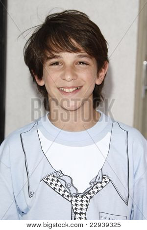 BURBANK - MAY 2: Zachary Gordon  at the Lollipop Theater Network's second annual ''Game Day'' at the Nickelodeon Animation Studios in Burbank, California on May 2, 2010