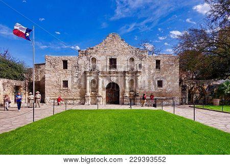 San Antonio, Usa, 2018.02.26.: The Alamo In San Antonio In The Usa.