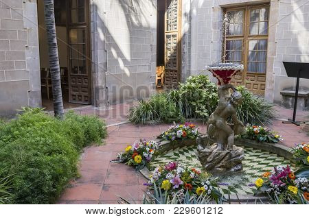 Barcelona,spain-june 20,2014: Religious And Tradition Ou Com Balla, Dancing Egg, Old Tradition Durin