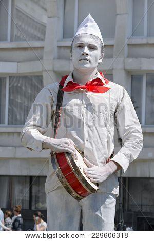 Living Sculpture, An Actor Portrays Soviet Pioneer. Russia, Ulyanovsk, City Day June 12 2017