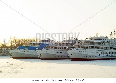 Passenger River Vessels During Wintering In The Backwaters