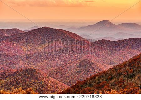 Brasstown Bald, Georgia, USA view of Blue Ridge Mountains in autumn.