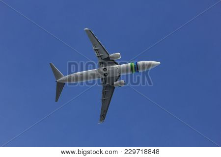 Amsterdam The Netherlands - March 4th, 2018: Ph-hzd Transavia Boeing 737-800 Takeoff From Aalsmeerba