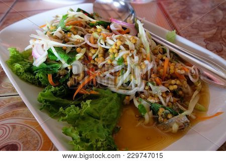Spicy And Sour Horseshoe Crab Egg Salad