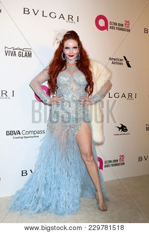LOS ANGELES - MAR 4:  Phoebe Price at the 2018 Elton John AIDS Foundation Oscar Viewing Party at the West Hollywood Park on March 4, 2018 in West Hollywood, CA