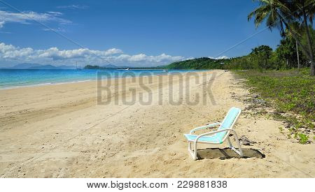 Mission Beach Tropical Paradise With; View Of The Ilsands Offshore