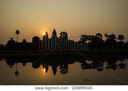 Silhouette Angkor Wat At Sunset , Siem Reap , Cambodia