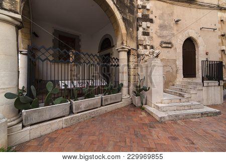 View Of The Famopus Monument In Ortigia Called Fontanina Della Loggetta Di Palazzo Greco