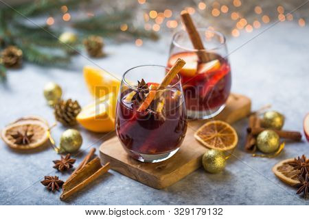 Mulled Wine. Christmas Mulled Wine Delicious Holiday Like Parties With Orange Cinnamon Star Anise Sp