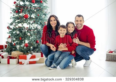 Full Size Photo Of Big Full Family Pretty Mom Dad Schoolgirl Hug Sitting Near Gift Box Present For C