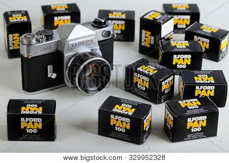 The Old Japan 35 Mm Film Cameras Yashica J-3 With 50 Mm Lenses, Released 70s, With Film Packings Lfo