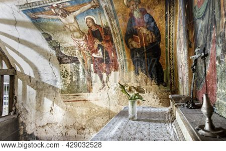 Cammoro, Umbria, Italy, February 7 2019, Ancient Frescoes In A Small Votive Chapel Along The Ancient