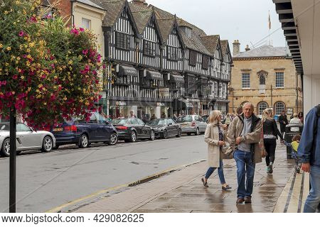 Stratford-upon-avon, Great Britain - September 15, 2014: This Is The Old Medieval Half-timbered Hous