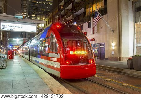 Houston, Tx, Usa - Dec. 14, 2018: Houston Metrorail Cars At Main Street Square At Night In Downtown