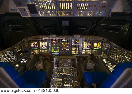 Houston, Tx, Usa - Dec. 15, 2018: Space Shuttle Independence Glass Cockpit Displayed In Johnson Spac