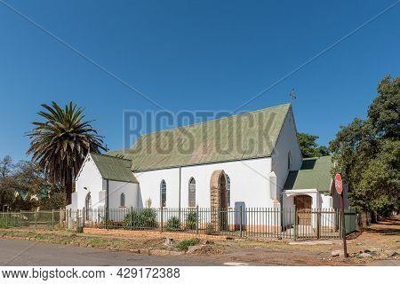 Aliwal North, South Africa - April 23, 2021: A Street Scene, With The Saint Pauls Anglican Church, I