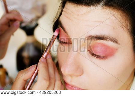 Makeup Artist Makes Makeup For The Girl. Before The Wedding, The Bride Does Her Makeup.