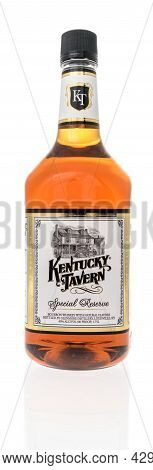 Winneconne, Wi -8 August 2021:  A Bottle Of Kentucky Tavern Whiskey On An Isolated Background