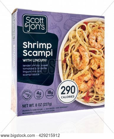 Winneconne, Wi -30 July 2021:  A Package Of Scott And Jons Shrimp Scampi With Linguini On An Isolate