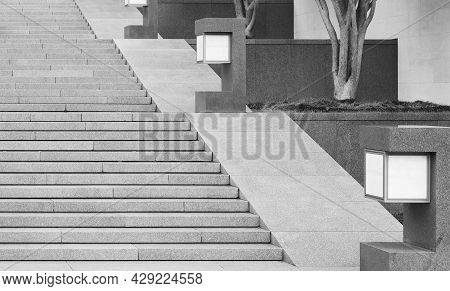 Modern Minimalism Style Stairway With Lighting Decoration