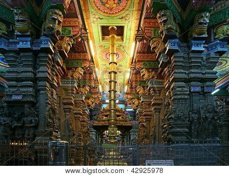 Inside of Meenakshi hindu temple.