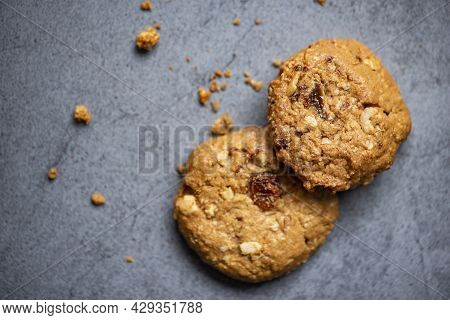 Cookies With Dried Currants And Nuts, Chocolate Cookies Chocolate Chip