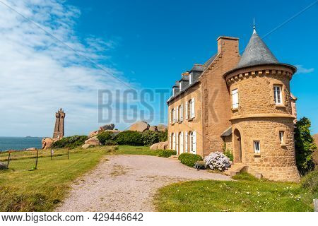 Beautiful House Next To The Mean Ruz Lighthouse, Port Of Ploumanach, In The Town Of Perros-guirec, C