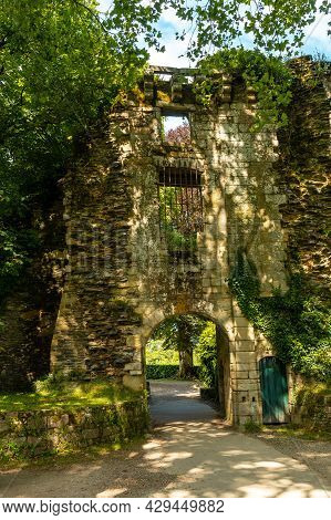 Wall Of The Castell Park Rochefort En Terre In The Medieval Village Of Rochefort-en-terre, Morbihan