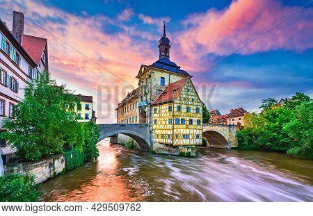 Bamberg, Germany. Amazing Sunset With City Hall And Regnitz River. Franconia, Bavaria - City Break T