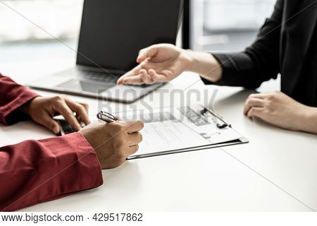 The Job Applicant Is Attending A Job Interview With The Department Manager And Is Introducing Himsel