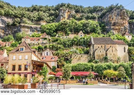 La Roque Cageac, France - June 25,2021 - View At The Church Of Notre Dame In La Roque-gageac Village