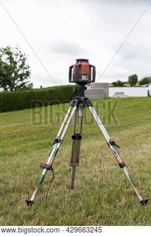 Measure The Height On A Building Plot With A Laser Measuring Device - Measurement Technology