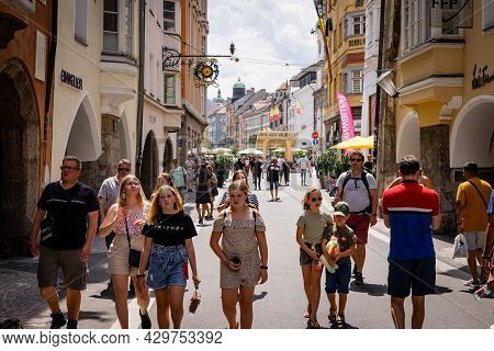 The Historic District Of Innsbruck With Beautiful Pedestrian Zone And Market Square - Innsbruck, Aus