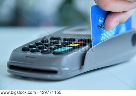 Pay Money Credit Card For Spending Money With Pos Terminal. Transaction Pay And Payment Concept.  Cl