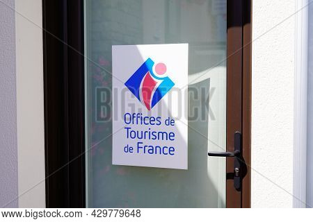 Bordeaux , Aquitaine France - 07 30 2021 : Office De Tourisme French Office Wall Brand Sign In Franc
