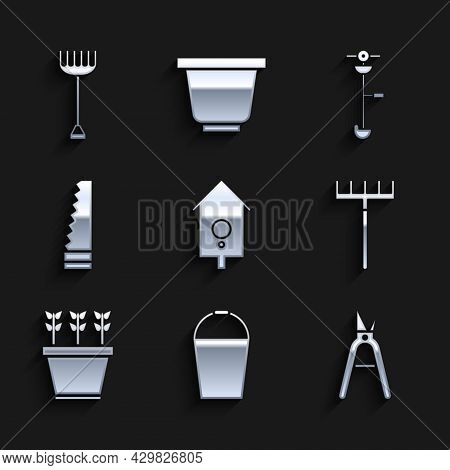 Set Retro Wall Watch, Bucket, Gardening Handmade Scissors, Rake, Plants Pot, Saw, Grass Weed Electri